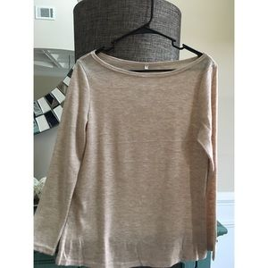Tops - Wide neck slouchy top